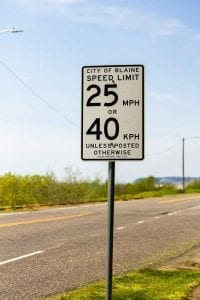 Border-Town-Life-United-States-America-Canada-Bianca-Mass-Consternation-Sign-1
